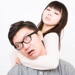 日本妻は、なぜお小遣い制夫を助けないのか – 妻の言い分、夫の言い分